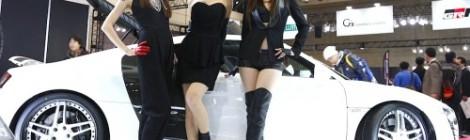 Hot girl với triển lãm xe 2011