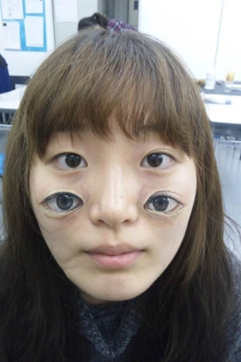 Khả năng vẽ trên cơ thể (body art) của Chooo-San khiến nhiều người kinh ngạc bởi độ chân thực và sinh động không thua kém… sản phẩm photoshop. Được biết, cô bạn này đã phát hiện tài năng trong khoảng thời gian chuẩn bị cho kỳ thi tuyển sinh đại học.