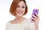 Mãn nguyện với chiếc smartphone trên tay