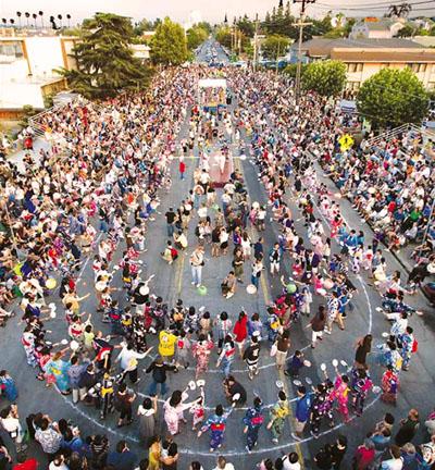 Lễ Obon thu hút rất nhiều du khách nước ngoài