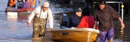 Mưa lớn, lũ lụt khiến 48 nghìn người phải di tản.