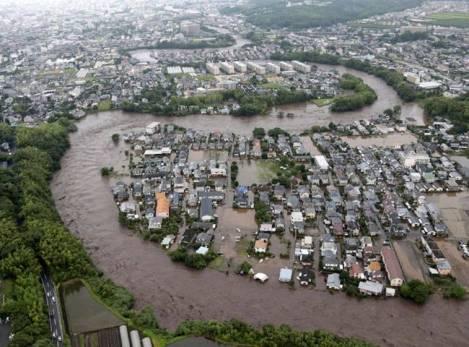 Nhật Bản bị ảnh hưởng nặng nề vì trận bão lịch sử