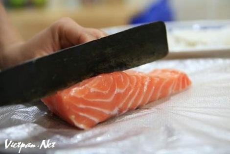 sushi cá hồi1