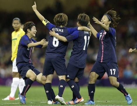 Bóng đã nữ Nhật Bản tỏa sáng