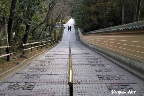 Chùa gác vàng ở Nhật Bản