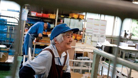 Nghỉ hưu lương cao nhưng vẫn thích đi làm
