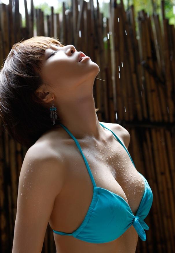 Người đẹp Yumiko Shaku