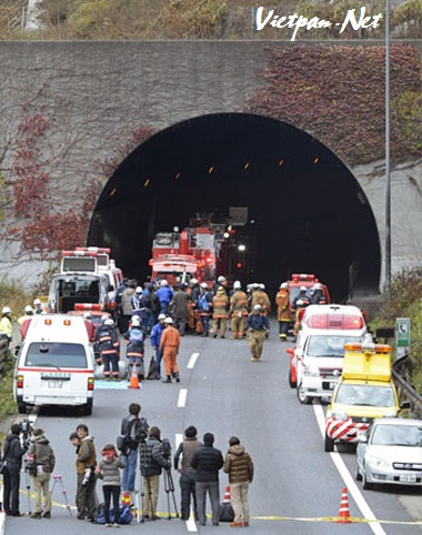 Có 5 người chết vì sập đường hầm Sasago