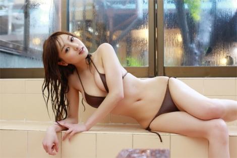 Vẻ đẹp chết người của Natsuki Ikeda