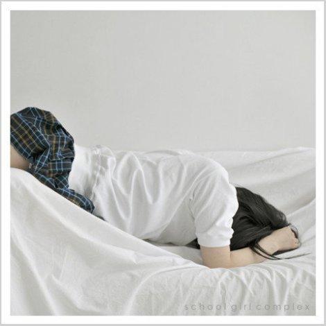 Bộ ảnh độc đáo về.. váy ngắn của nữ sinh Nhật Bản