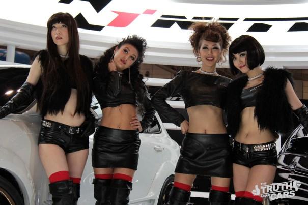 Hot girl với triển lãm xe 2013