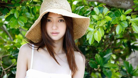 Người đẹp Rina Aizawa