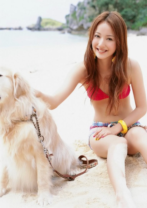 Nozomi Sasaki khoe sắc quyến rũ với bikini